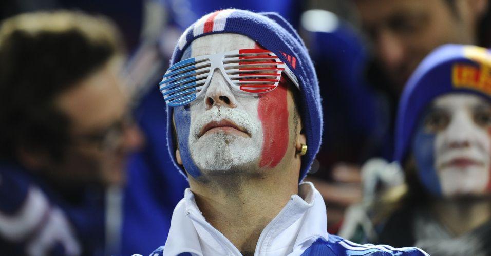 Francês pinta o rosto e demonstra animação  México bateu a França por 2 a 0  e frustrou os torcedores na África do Sul Franck Fife AFP Mais 6c75a45e41ed1