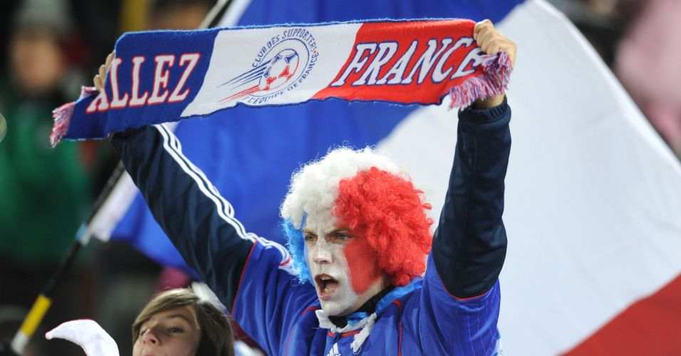 Franceses pintam o rosto e demonstram animação  México bateu a França por 2  a 0 e frustrou os torcedores na África do Sul Franck Fife AFP Mais c302631003ee7
