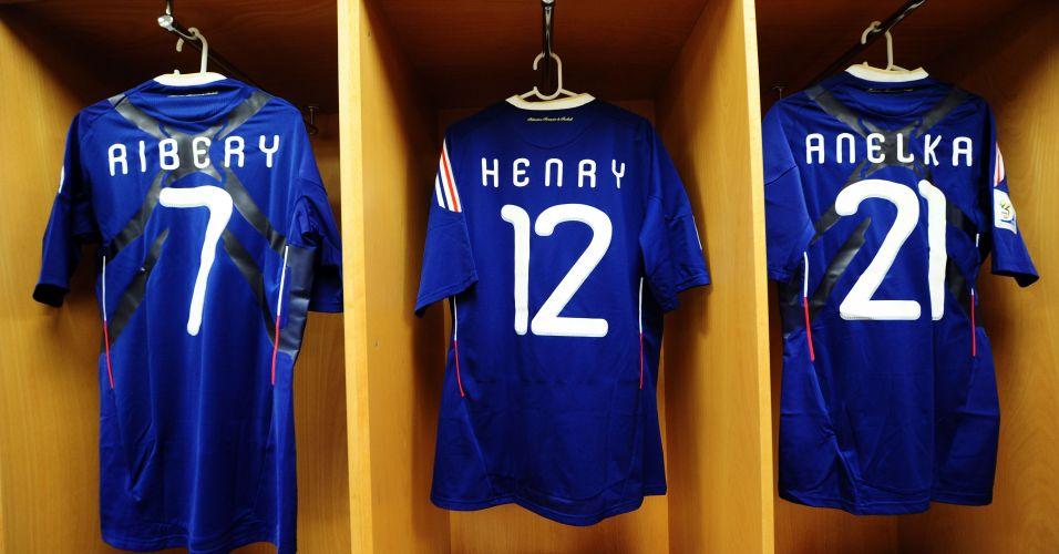 Torcedores da França depositavam suas esperanças de gols contra o México em  Ribéry 7a8876af7bf43