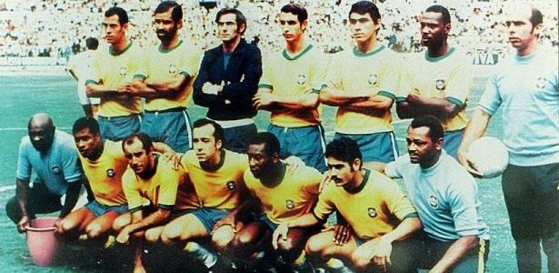 Com o time que � considerado o melhor de todos os tempos, Brasil � tri