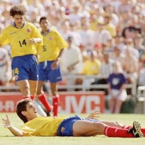 Trag�dia: O zagueiro Escobar marcou gol contra no jogo diante dos EUA e foi assassinado na Col�mbia