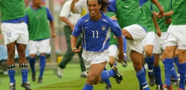 Com gol de Ronaldinho, Brasil eliminou a Inglaterra da Copa de 2002