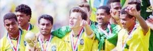Com defesa s�lida e Rom�rio inspirado, sele��o brasileira ganha primeiro t�tulo mundial sem Pel�