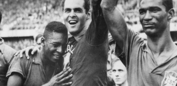 É campeão!: Brasil dá show de bola e, enfim, conquista o mundo