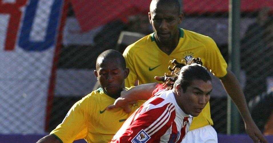 Paraguaio Salvador Cabanãs enfrenta o Brasil nas eliminatórias da Copa