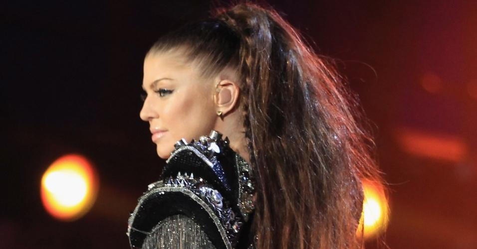 Cantora Fergie, do grupo norte-americano Black Eyed Peas se apresenta no show de abertura da Copa