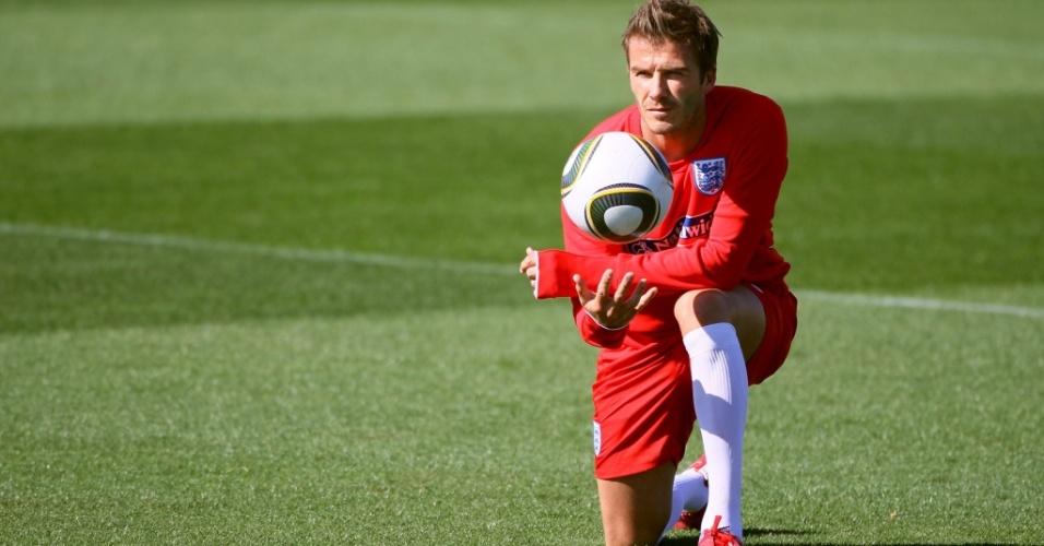 David Beckham participa de treinamento da seleção inglesa na África do Sul