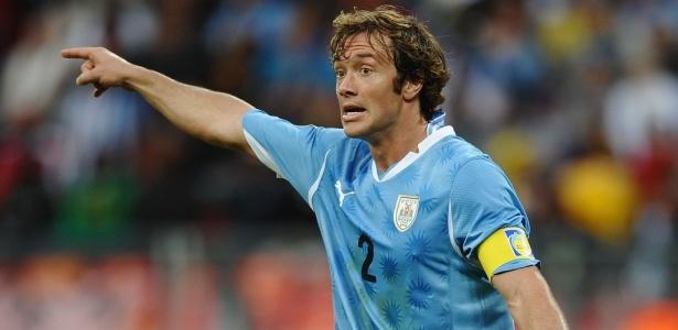 Diego Lugano segue sendo objetivo do Grêmio, mesmo complicado, para o ano que vem