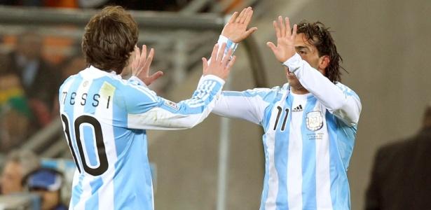 Messi e Tevez convivem com boatos de relacionamento ruim na seleção argentina