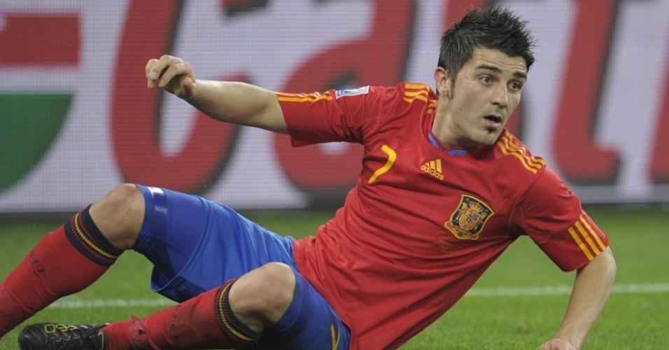 David Villa fica caído após disputar lance no jogo entre Espanha e Alemanha