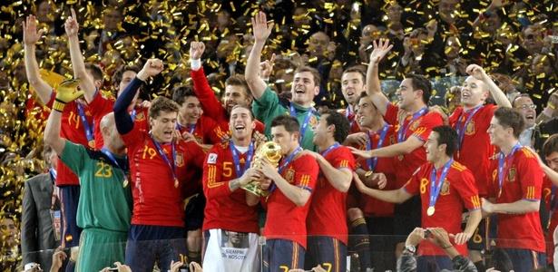 800693c60ce08 Fifa indica três brasileiros à Bola de Ouro  Espanha domina a lista -  26 10 2010 - UOL Esporte - Futebol