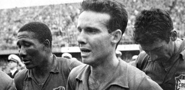 Seleção canarinho vence a Copa e decreta fim do complexo de vira-latas