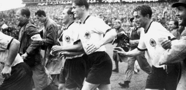 Pragmatismo alemão vence show da Hungria e conquista a Copa do Mundo