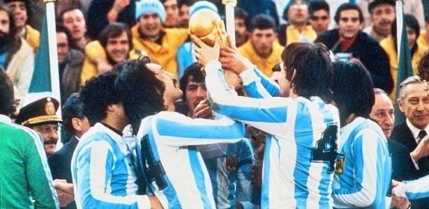 Raça, catimba e suspeitas marcam primeiro título argentino na Copa do Mundo