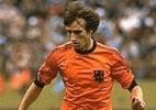 Marca histórica: O jogador holandês Rob Rensenbrink marcou o 1000º gol na história da Copa