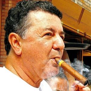 A regra é clara: Arnaldo Cesar Coelho foi o 1º árbitro brasileiro a apitar uma decisão de Copa do Mundo