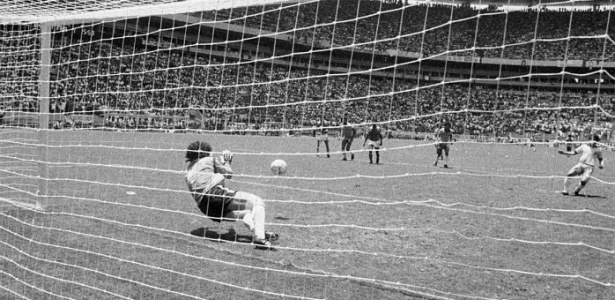 Confusões, pênaltis e azar derrubam a seleção de Telê Santana na Copa do Mundo