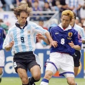 Sem as madeixas: O argentino Batistuta cortou o cabelo para ir ao Mundial após ordem do treinador argentino