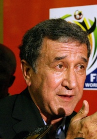 Parreira diz que faltam grandes atacantes para a África do Sul