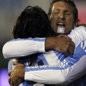 Atacante Martin Palerrmo, do Boca Juniros, vibra ao marcar em amistoso entre Haiti e Argentina