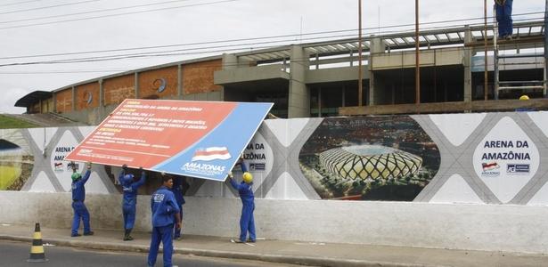 Obras no estádio Vivaldão, em Manaus, que será sede da Copa de 2014