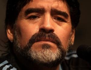 """Técnico da Argentina, Diego Maradona, é a personalidade pública mais citada como """"representante"""" dos argentinos"""