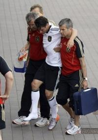 Christian Traesch deixou o campo lesionado, e deixou também o Mundial de 2010 na África do Sul