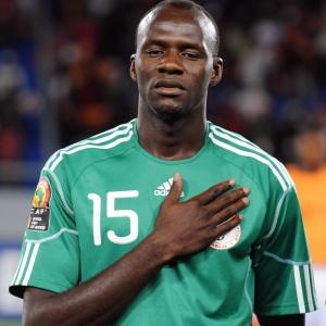 Kaita, em jogo da Nigéria: ele foi expulso contra a Grécia no 1º tempo e causou a derrota nigeriana