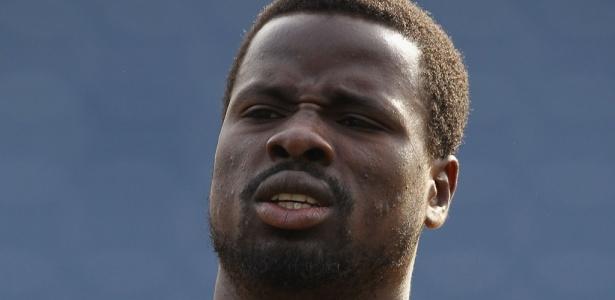 Emmanuel Eboué, ex-Galatasaray, recebeu oferta para trabalhar na base do clube