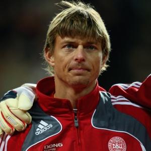 Após lesão, Jon Dahl Tomasson volta aos treinos normalmente e pode enfrentar Camarões
