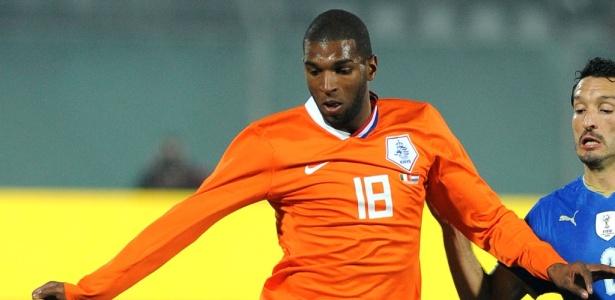 Babel em um dos muitos jogos com a camisa da seleção holandesa