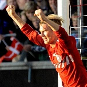 Poulsen fez o primeiro gol da Dinamarca na vitória por 2 a 0 sobre Senegal em amistoso em Aalborg