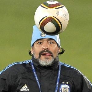 Diego Maradona rebateu críticas feitas por Pelé e elogiou seleções de Portugal e Costa do Marfim