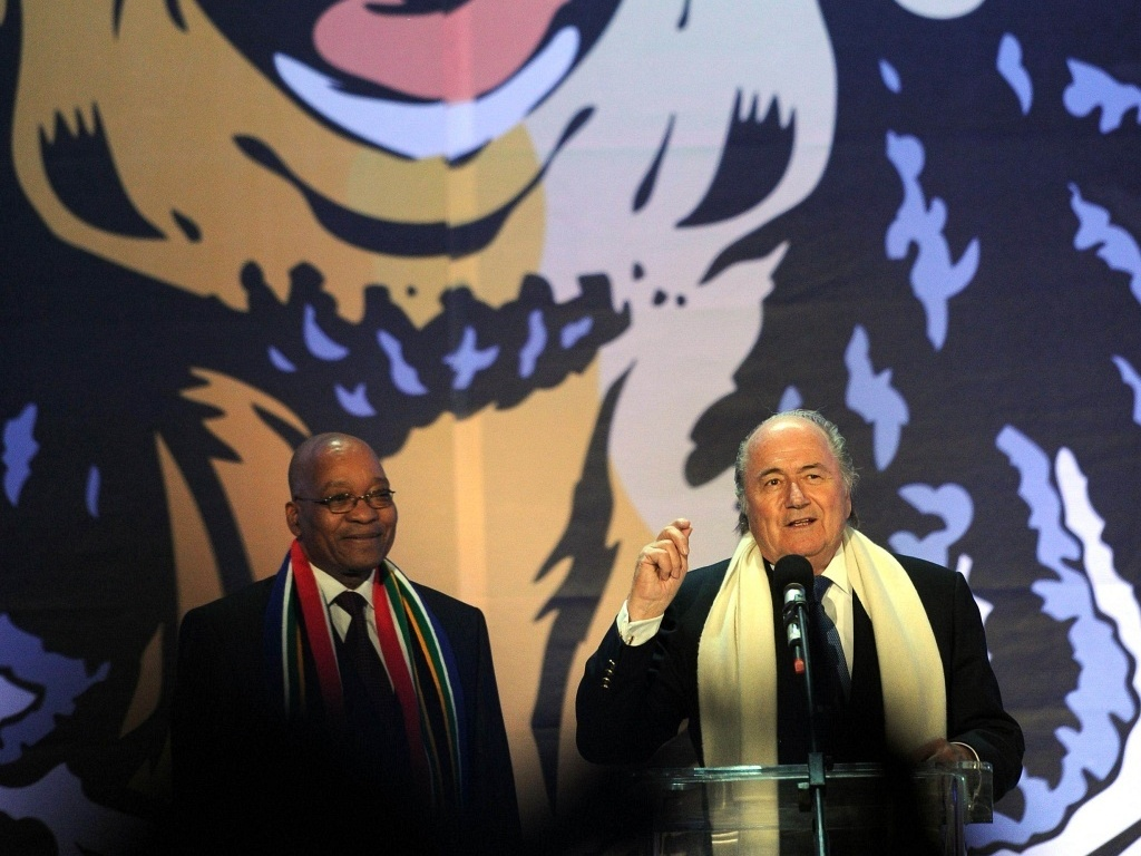 O presidente da África do Sul Jacob Zuma e o presidente da Fifa Joseph Blatter na abertura da Copa