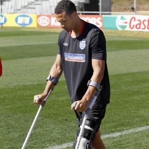 Ferdinand deve ser recuperar de lesão no joelho a tempo da estreia no Campeonato Inglês