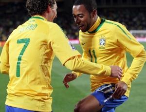 Segundo Elano, jogada que originou o seu gol, com passe de Robinho, foi treinada insistentemente