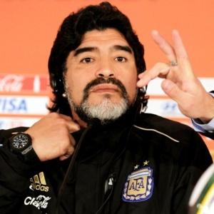 Em polêmica entrevista, Maradona disse que Pelé deveria voltar para o museu e criticou Platini
