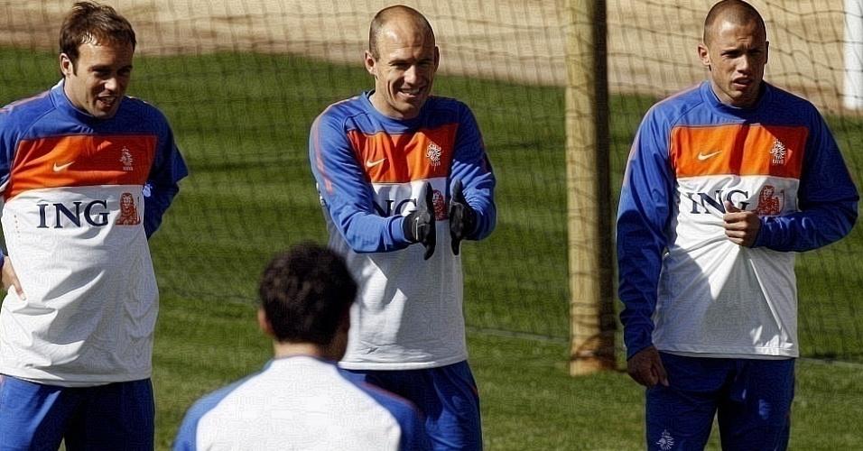 Robben disse que está quase sem dores, mas só deverá defender a Holanda a partir das oitavas