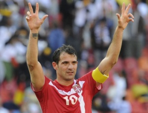 Dejan Stankovic foi um dos que cobrou atenção da Sérvia na partida que define a vaga na próxima fase