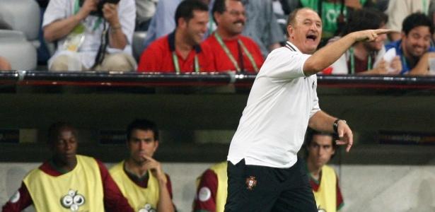 Felipão no comando da seleção de Portugal; período do treinador no país europeu está sendo investigado