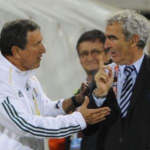 Domenech se recusa a cumprimentar Parreira após a partida entre os eliminados França e África do Sul