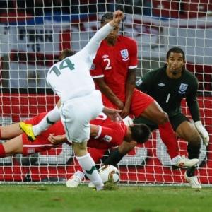 Salto 'suicida' do zagueiro John Terry simbolizou determinação inglesa, vibrou Fábio Capello