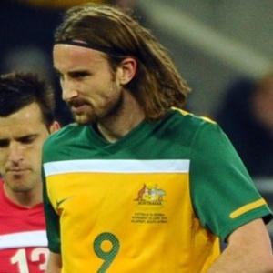 Josh Kennedy reprovou escolhas táticas do treinador Pim Verbeek na Copa do Mundo