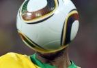 Bola quadrada: Nunca uma bola usada em uma Copa foi tão criticada como a Jabulani, um terror para os goleiros.