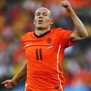 Em sua primeira partida como titular da Holanda na Copa, Robben marca na vitória sobre a Eslováquia