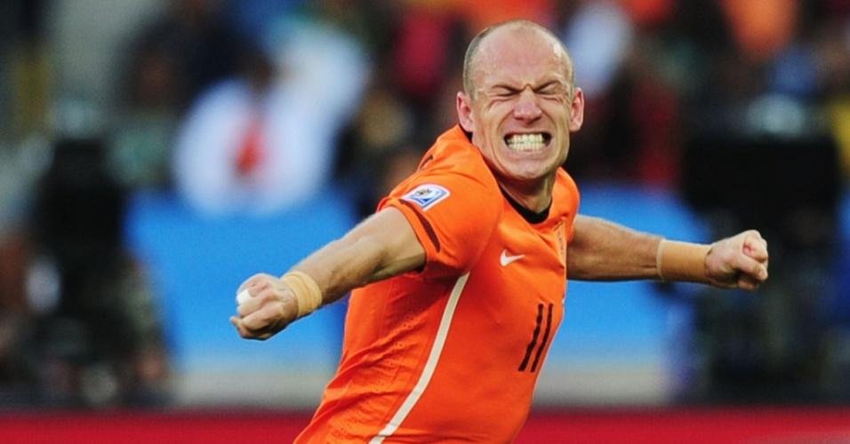 Arjen Robben comemora o seu gol contra a Eslováquia