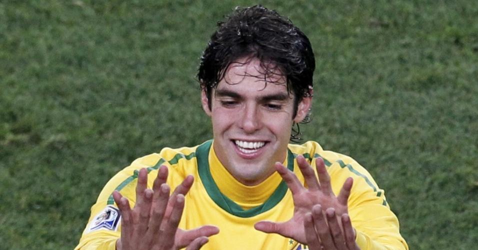 Kaká é substituído por Kleberson na partida contra o Chile