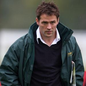Atacante Michael Owen criticou o treinador Fabio Capello pela escalação da seleção inglesa