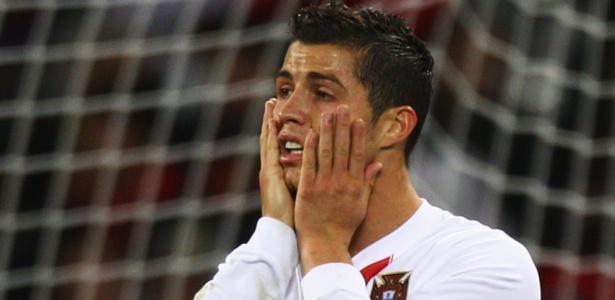 Espanha 1 x 0 Portugal: Dependentes de C. Ronaldo, lusos caem diante Xavi e Villa