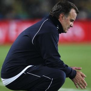Marcelo Bielsa só deve definir se seguirá à frente da seleção quando a delegação voltar ao Chile